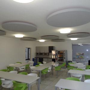 Mit Akustikplatten ABSOPANEL verbessert Sempatap den Klangkomfort von Restaurants und Betriebskantinen.