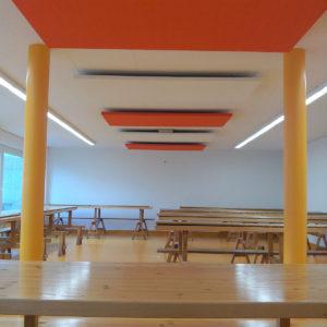 Die Akustikplatten ABSOPANEL dekorieren Wände und Decken und dämmen gleichzeitig den Lärm.